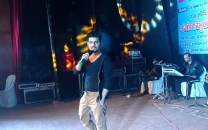 vineet-singh-the-talented-bollywood-singer (1)